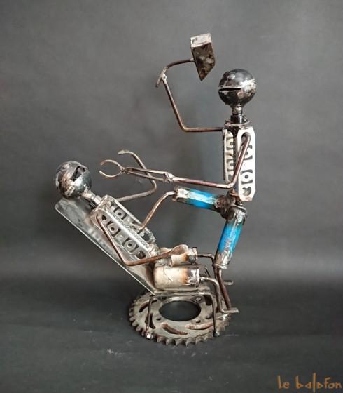 Sculpture métal recyclé dentiste